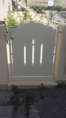 cancellino pedonale zincato e verniciato
